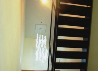 07-led-chandlier-and-stair-can-lighting